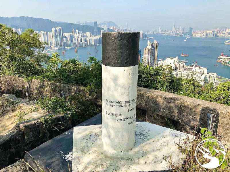 Devil's Peak summit marker