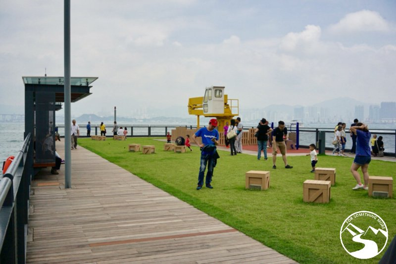 picnic on the western and central district waterfront promenade