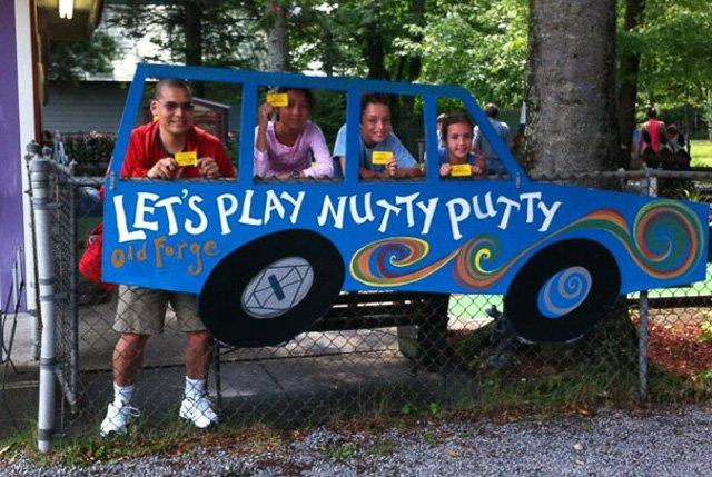Nutty Putty mini golf