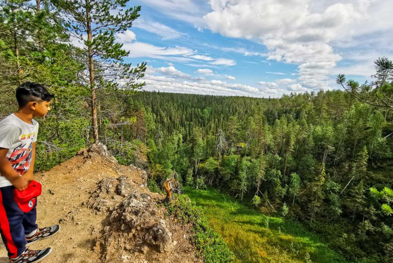 Day-Trips-In-Lapland-Finland-COVER-4-770x515.jpg