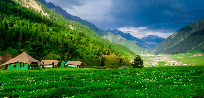 Sonamarg is a beautiful place to go camping in India