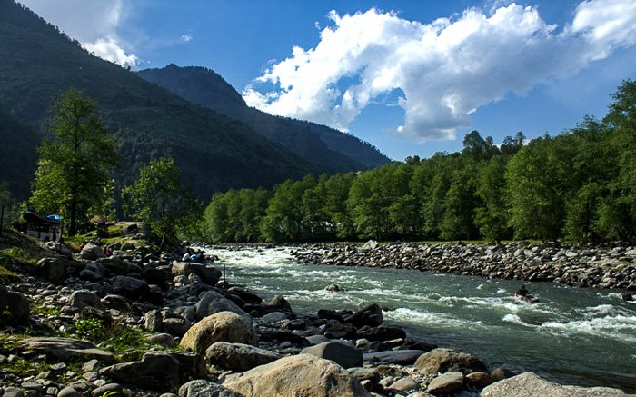 Solang Valley is great for family camping in India