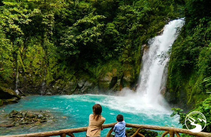 turquoise waters of Rio Celeste