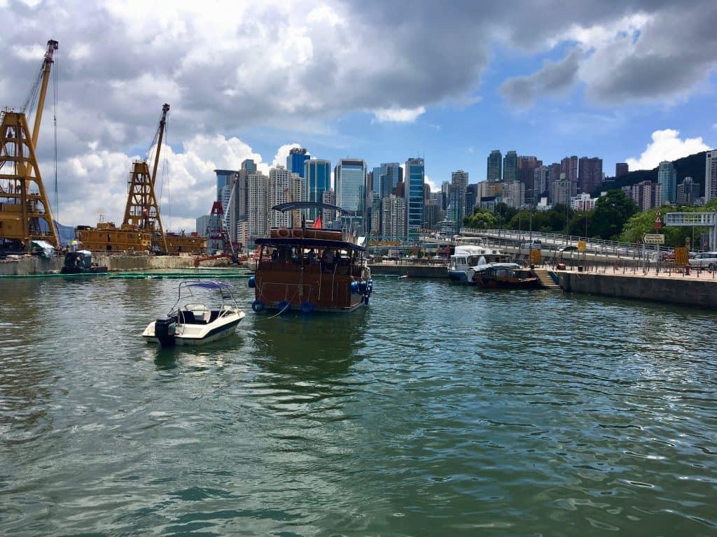 Hong-Kong-Junk-Boat_1.jpeg